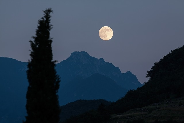 moon-18214
