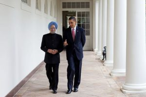 President_Barack_Obama_walking_with_Prime_Minister_Manmohan_Singh_2009-11-24